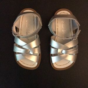 Silver Saltwater Sandals Size 6